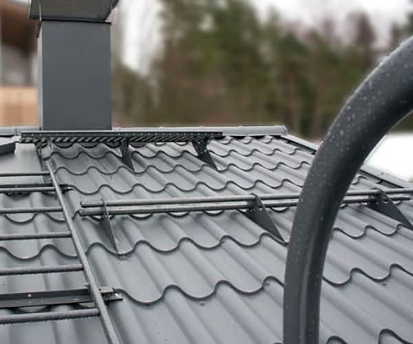 Kattoturvatuotteet asennettuina