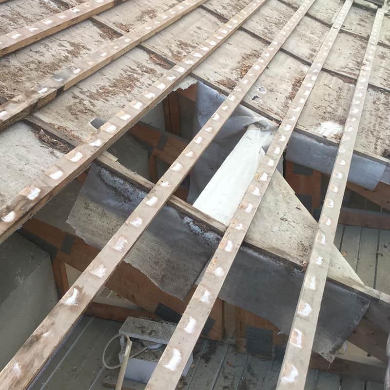 Notkolle painuneen katon korjaus